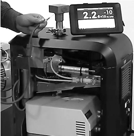 Испытания на герметичность с помощью масс-спектрометрического течеискателя